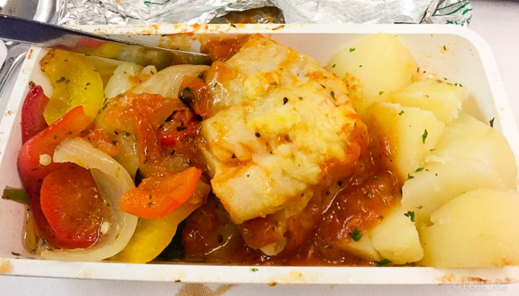 Singapore Airlines PVG SIN Premium Economy Fish and potato tasted good